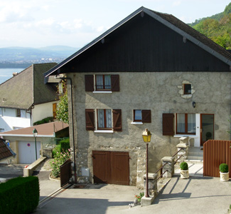 Veyrier Du Lac Rental Houses For Rent On The Lake Annecy House Les Weitchiis